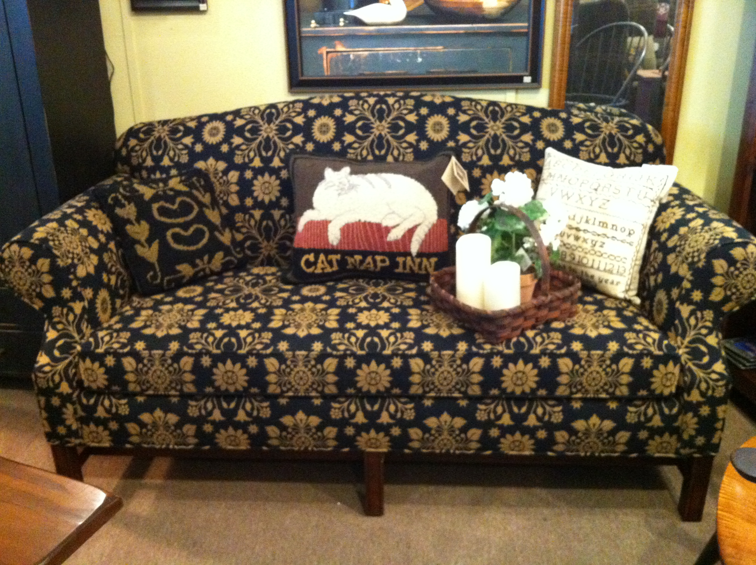early american sofa good early american sofas 21 for your sofa design ideas with thesofa. Black Bedroom Furniture Sets. Home Design Ideas