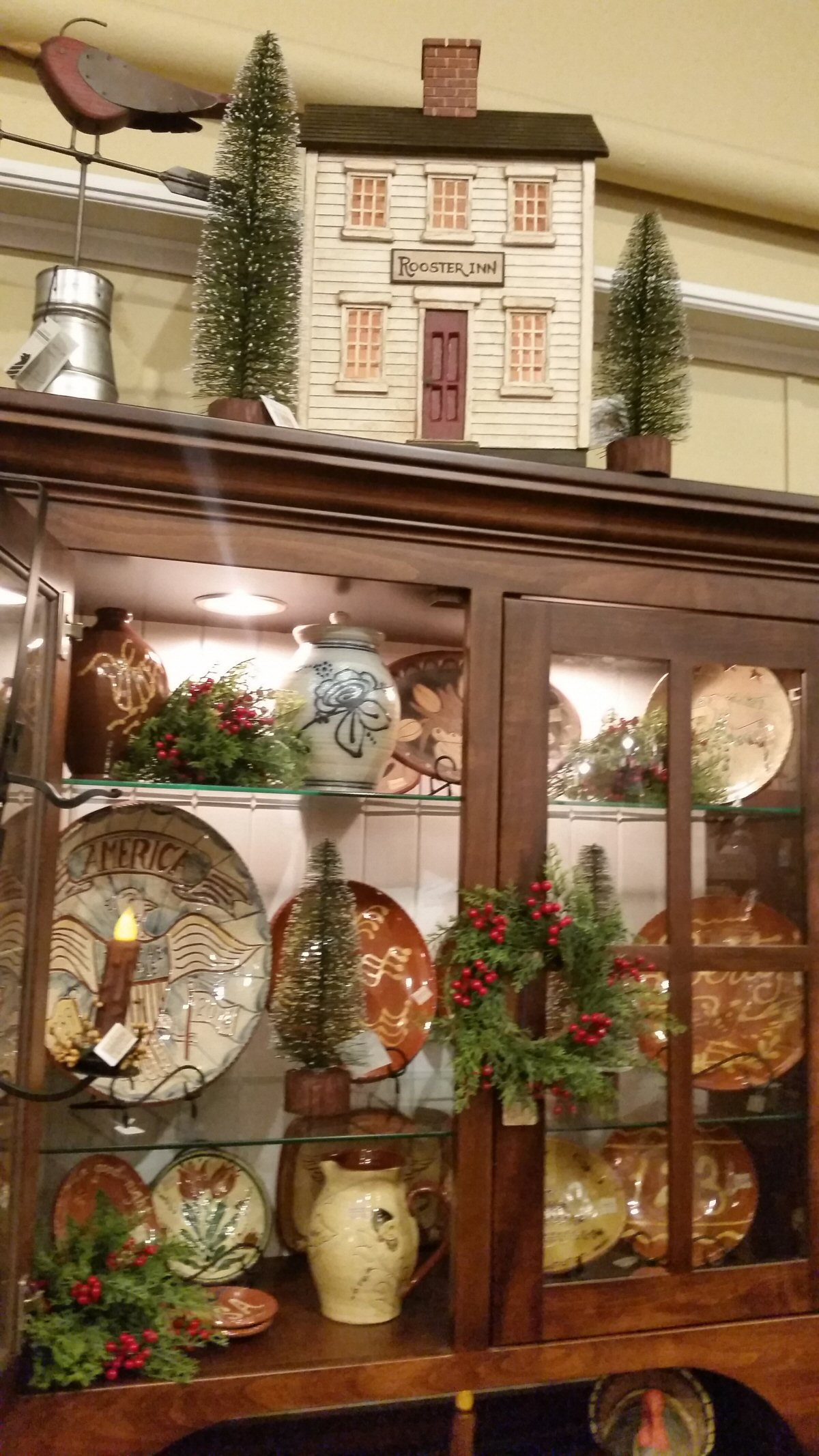 Colonial house colonial and early american decorcolonial for Colonial home christmas decorations