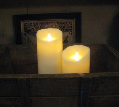 Flamess-Candle-pillars