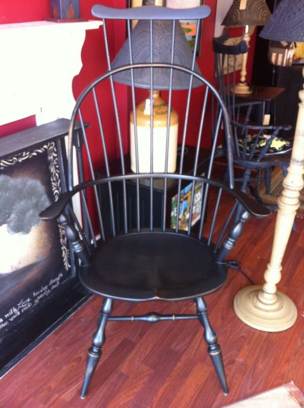 Amish made Arm Chair with Comb Black distressed