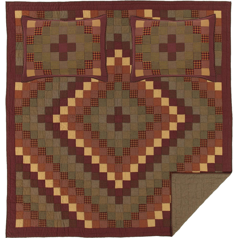 Heritage Farms Queen Quilt Set; 1-Quilt 90Wx90L w/2 Shams 21x27